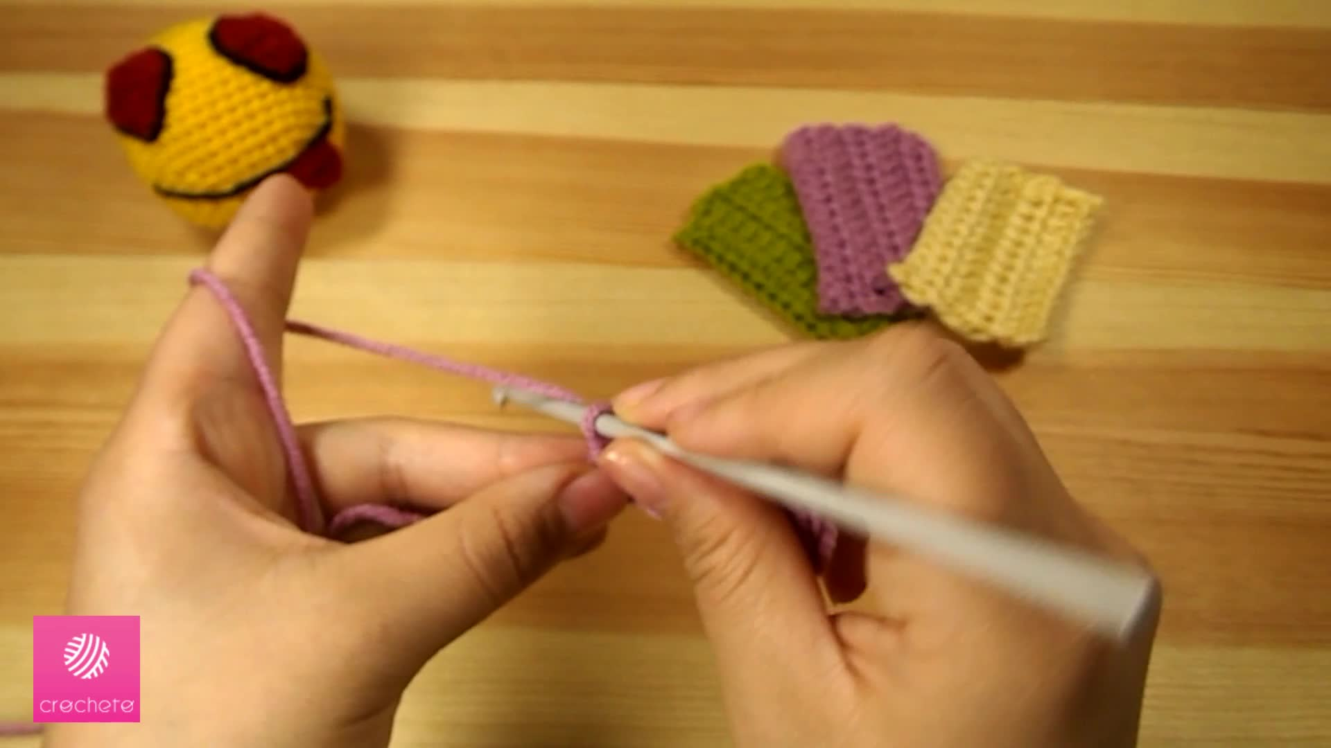 تعليم الكروشيه غرزة النصف عمود - Learn how to Crochet for beginners Half Double Crochet Stitch 4